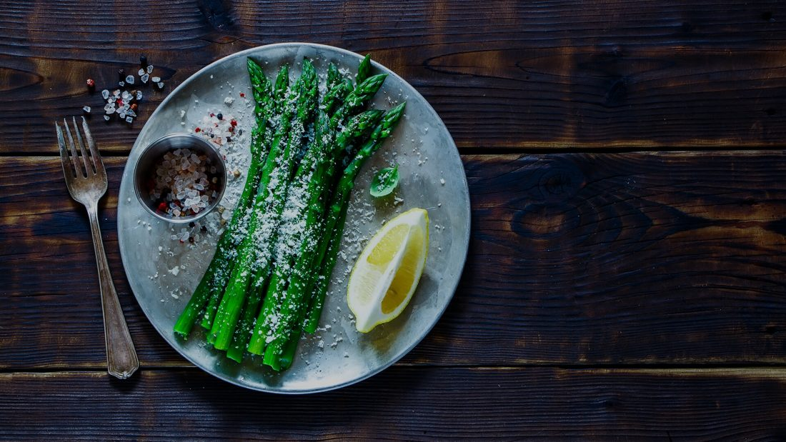 Garlic Butter Asparagus in 2 Minutes.